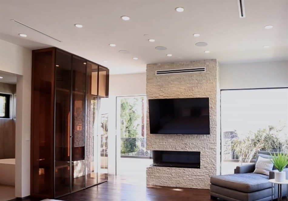 Beverly hills house linear air conditioning